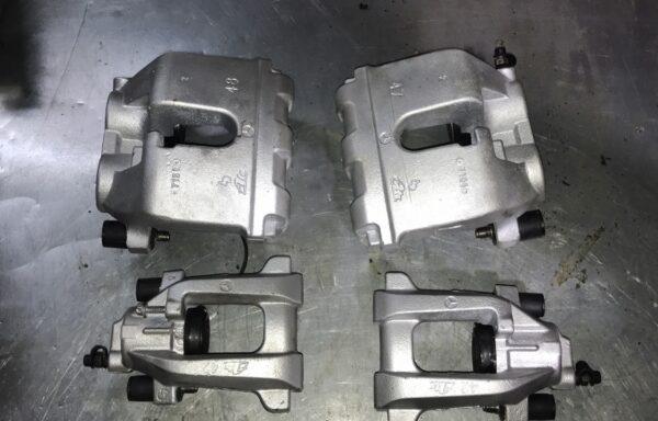 Комплект тормозных супортов w164, x164